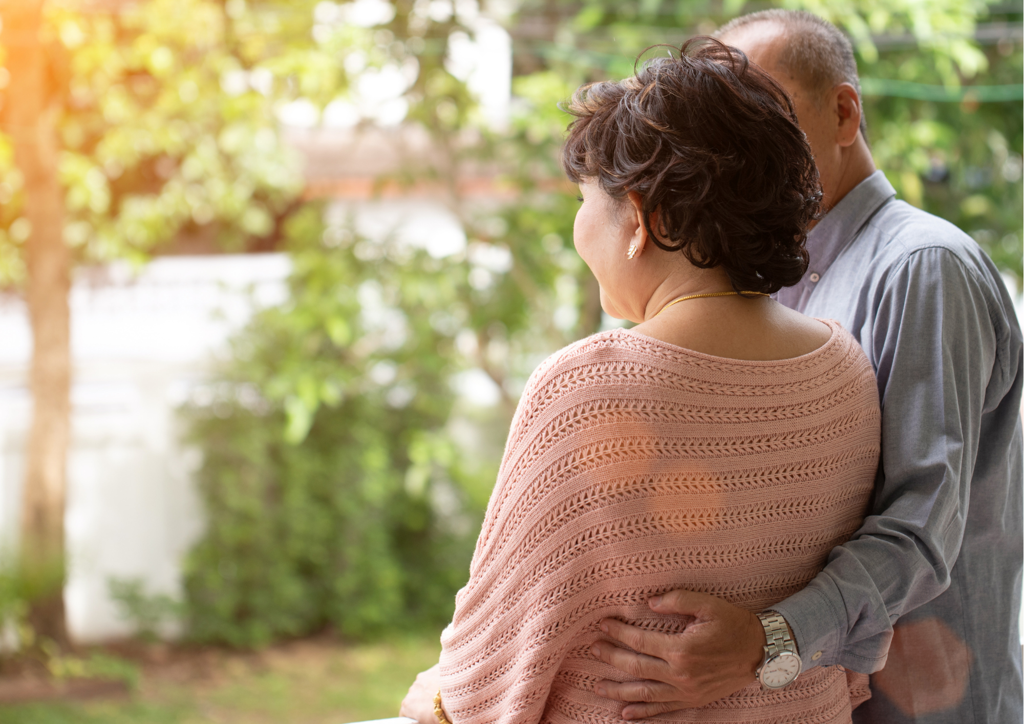 How to Safely Visit Older Relatives During the Coronavirus Pandemic